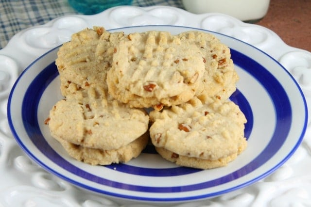 Pecan Sandies from Miss in the Kitchen