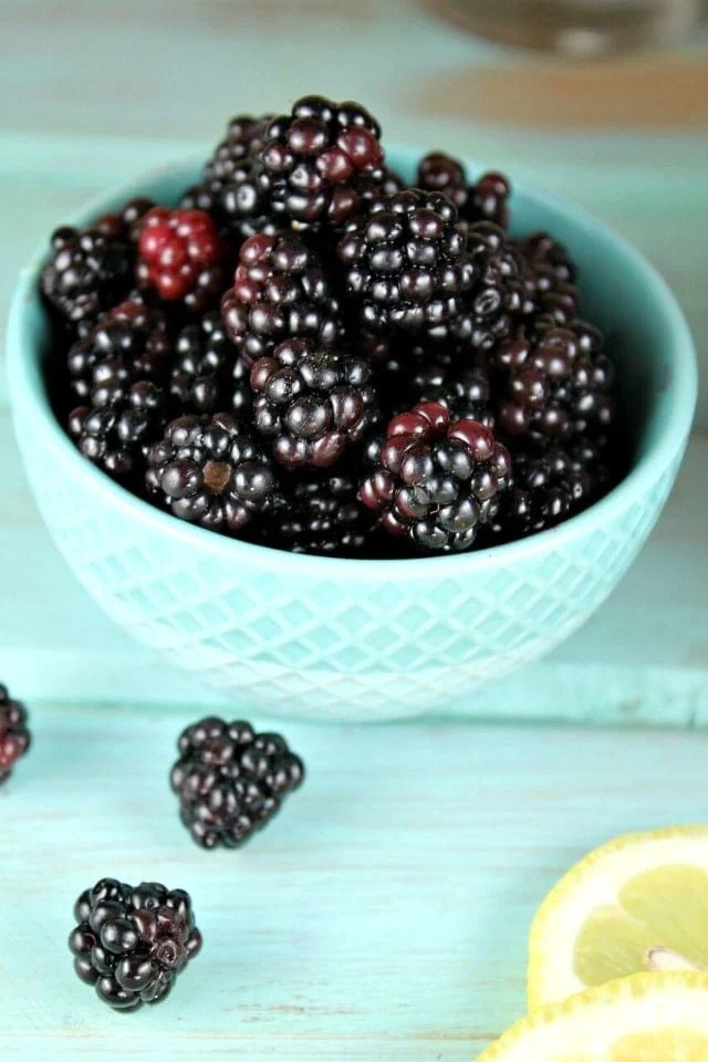 Blackberries for Blackberry Lemonade from MissintheKitchen