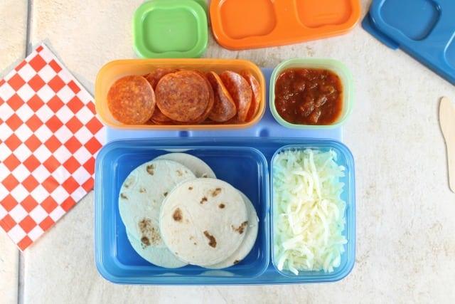 Easy Lunch Box Ideas - MissintheKitchen #ad Rubbermaid LunchBlox