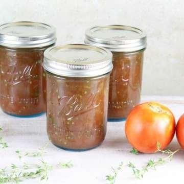 Jars of Roasted Tomato and Onion Sauce ~ MissintheKitchen