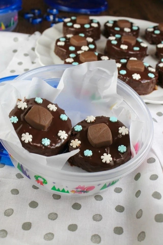 Triple Chocolate Snack Cakes in Ziploc Holiday Containers ~ MissintheKitchen.com #ad