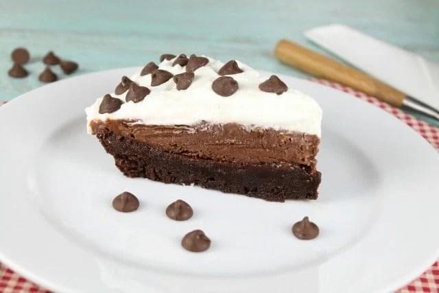 Brownie Pudding Pie Recipe ~ MissintheKitchen.com