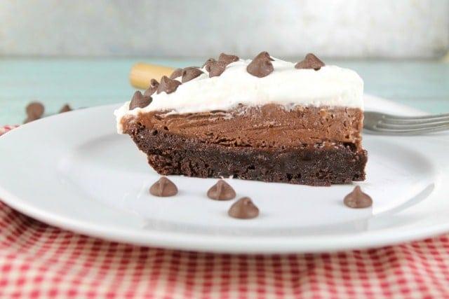 Brownie Pudding Pie ~ MissintheKitchen