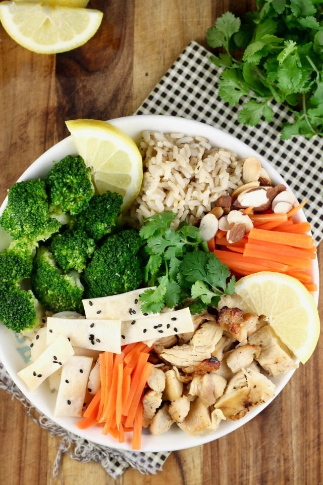 Quick Lemon Chicken Broccoli Bowls Recipe for a great weeknight dinner from Miss in the Kitchen with Tyson & Wish-Bone #ad