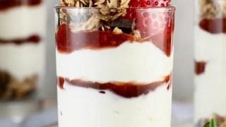 Strawberry Cheesecake Breakfast Parfaits