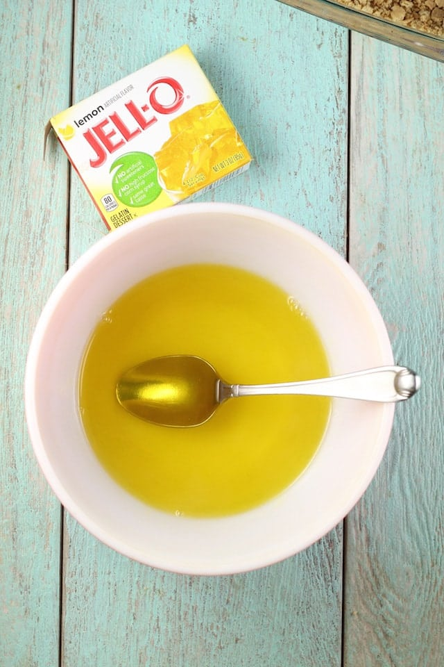 Lemon Jello for Lemon Icebox Cheesecake ~ Missinthekitchen.com