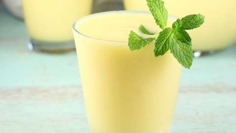 Mango Rum Cooler Cocktails are perfectly refreshing for summer parties! From MissintheKitchen.com