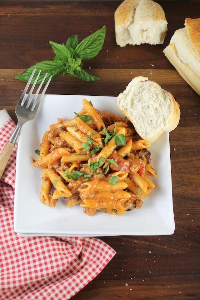 Easy weeknight dinner: One Pot Sausage Penne Pasta Recipe ~ MissintheKitchen.com #sponsored by Barilla