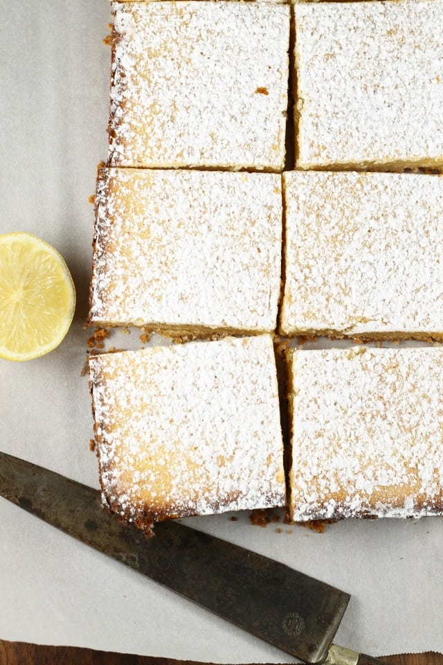Lemony Lemon Bars Recipe ~ Easy dessert ~ MissintheKitchen.com