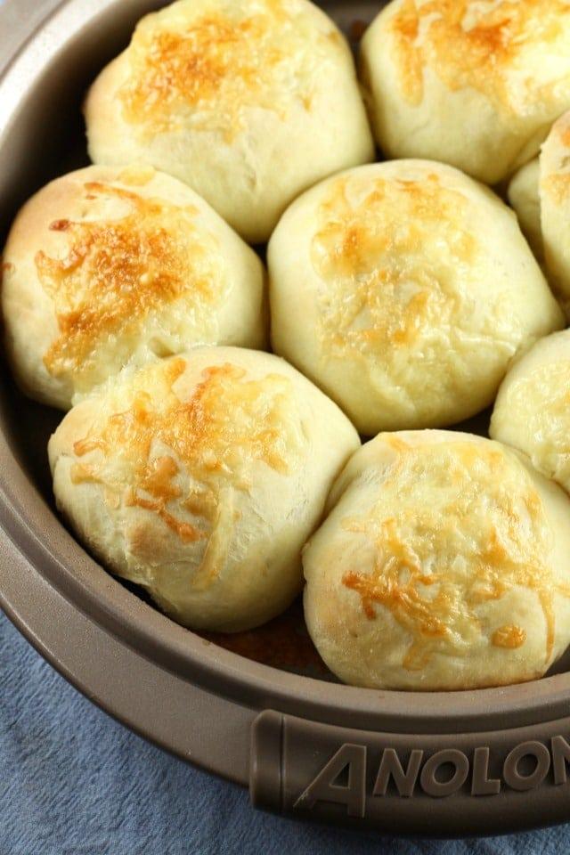 White Cheddar Potato Rolls ~ MissintheKitchen.com #AD #Holiday @RedStarYeast