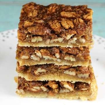 Easy holiday dessert: Brown Sugar Pecan Pie Bars from MissintheKitchen.com #AD @Pillsbury @Walmart #thanksgiving #christmas #holiday #dessert