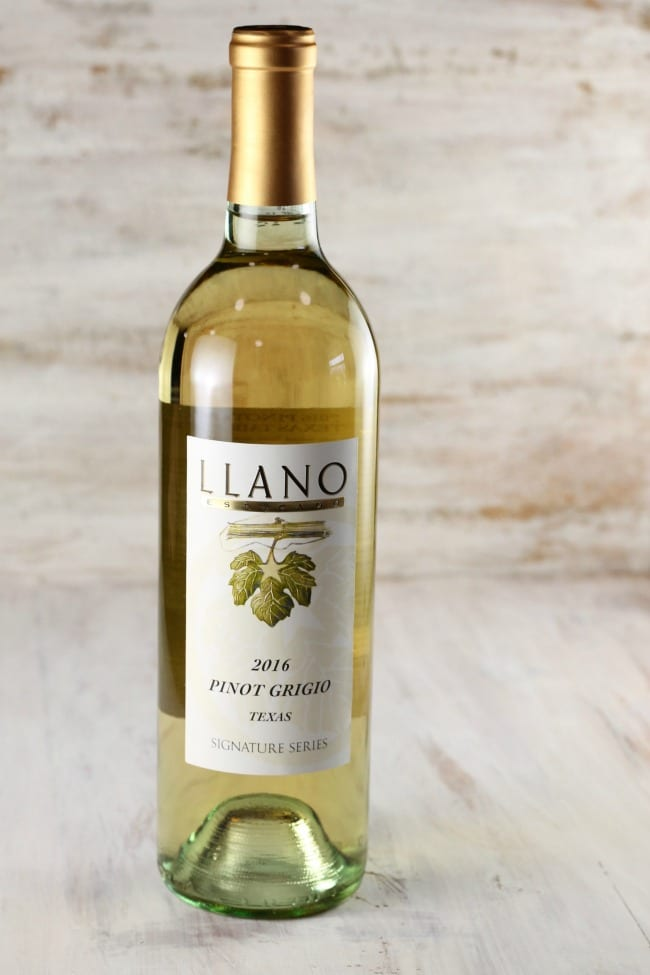 Llano Estacado Pinot Grigio for Cranberry Wine Punch Recipe ~ MissintheKitchen.com #ad #wine #punch