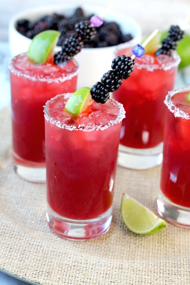 Easy Blackberry Margaritas with blackberries and limes