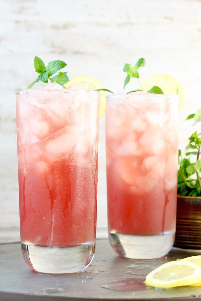 Delicious Pomegranate Lemonade Recipe