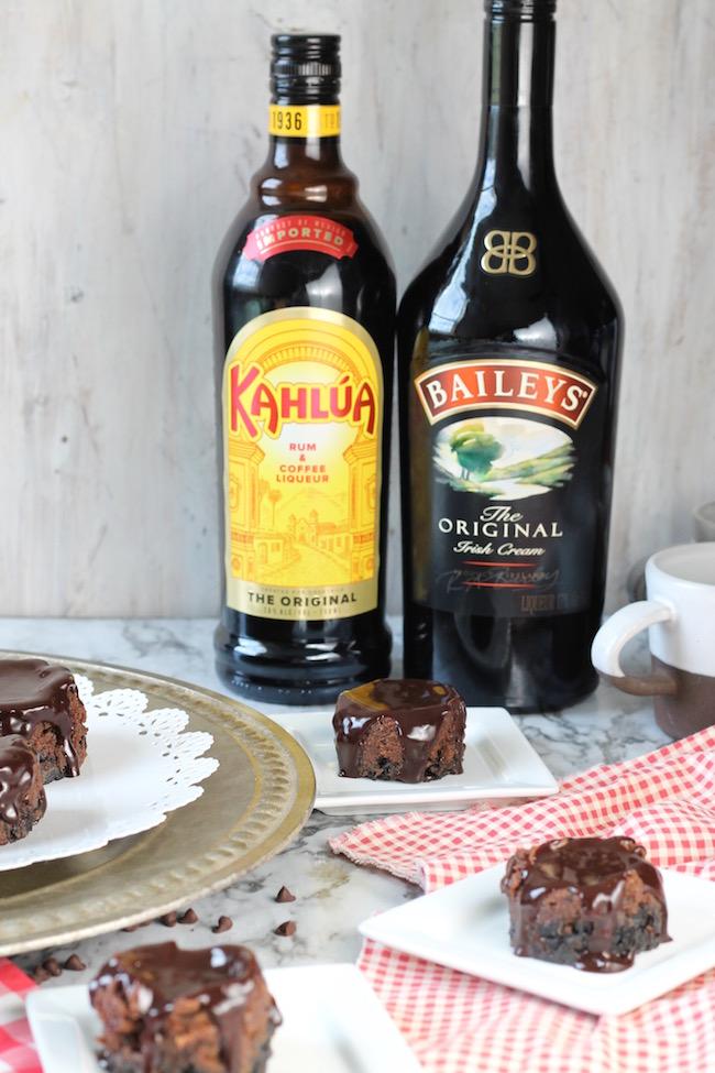 Mini Mudslide Cheesecakes with Bailey's Irish Cream & Kahlua coffee liqueur