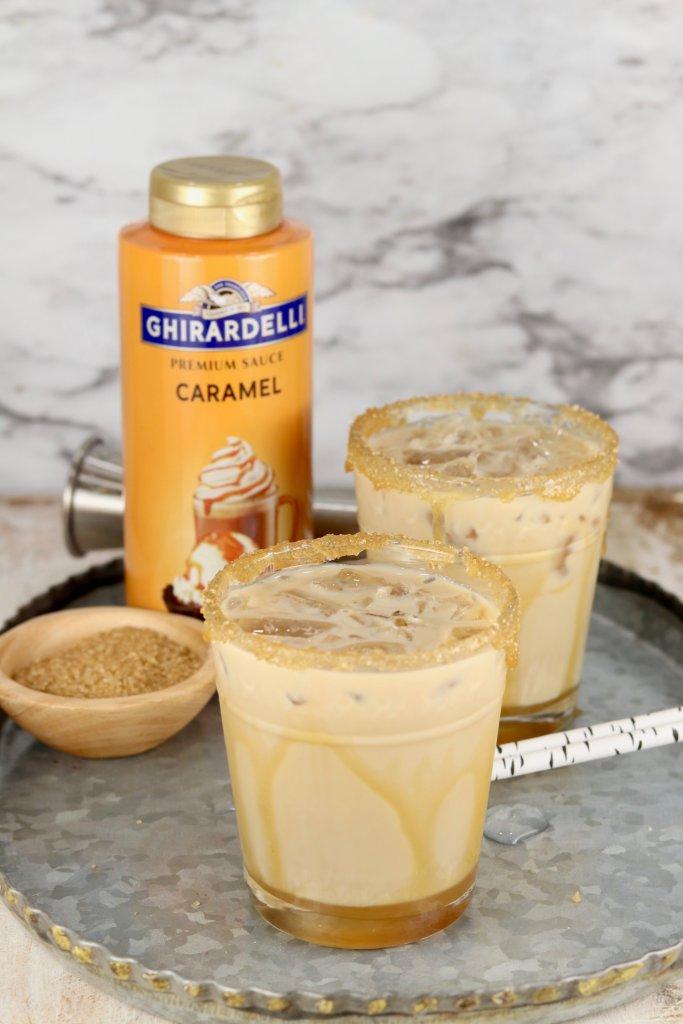 Caramel sauce with mudslide cocktails