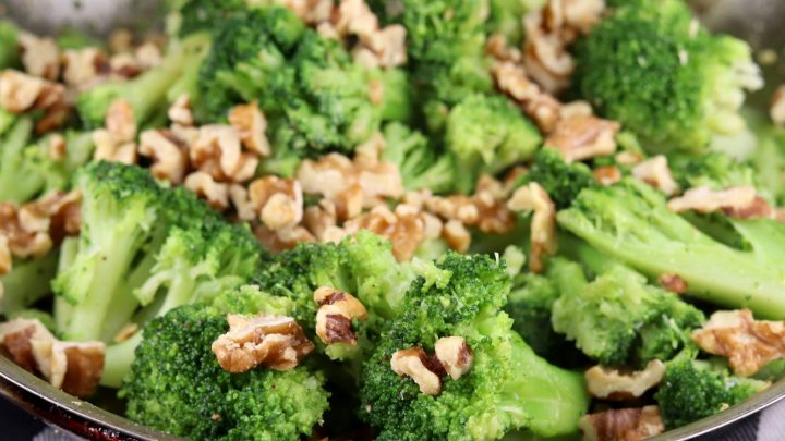 broccoli with toasted walnuts