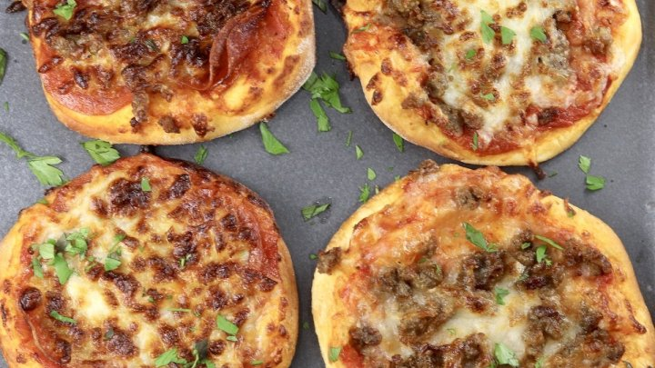 Air Fryer Mini PIzza 4 on a platter