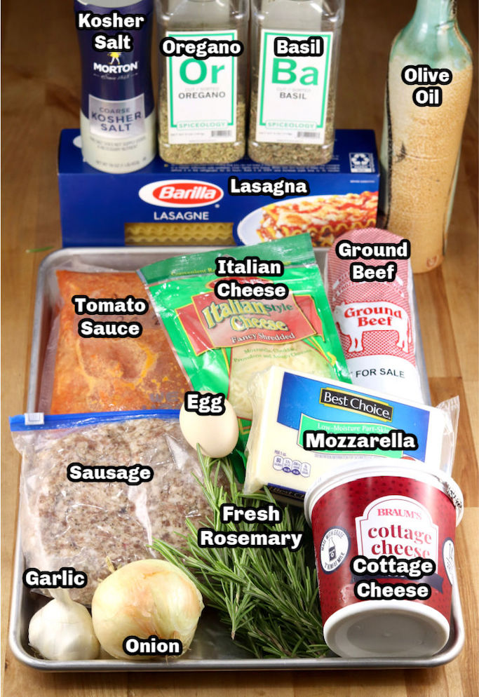 Ingredients to make lasagna with meat sauce