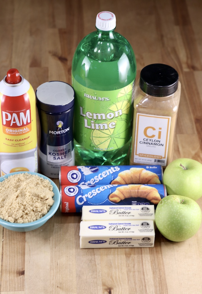 Ingredients for Apple dumplings with crescent dough