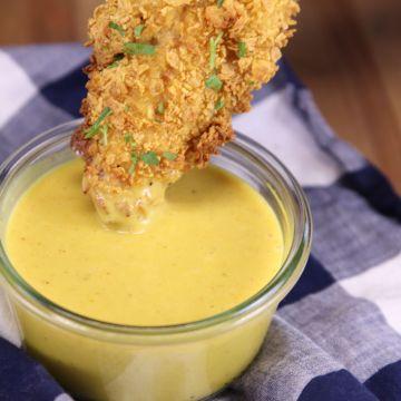 honey mustard dipping sauce with chicken strip