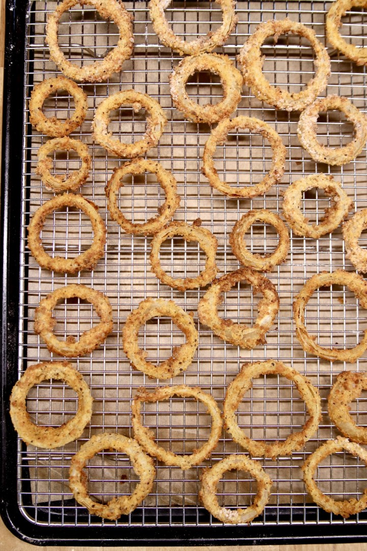 wire rack with crispy onion rings