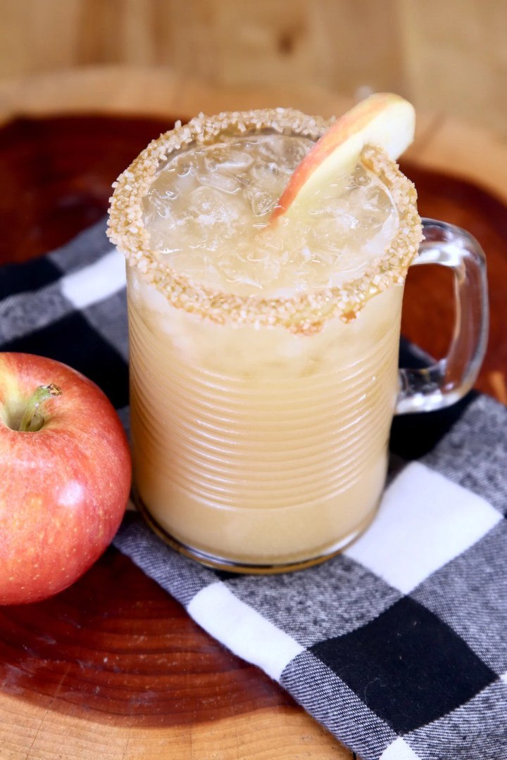 Caramel Apple Cocktail with apple slice garnish