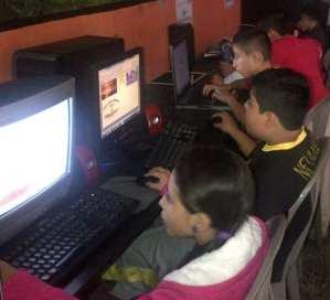 children learning computer skills