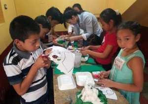 Volunteer from Casa De Libertad serving at our community center in Colonia Santa Fe