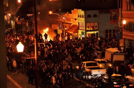 san francisco, giants, sf giants, world series, baseball, 2012, fire, sports, mission district, riot, wtf, riots, 19 street, mission street, beauty bar