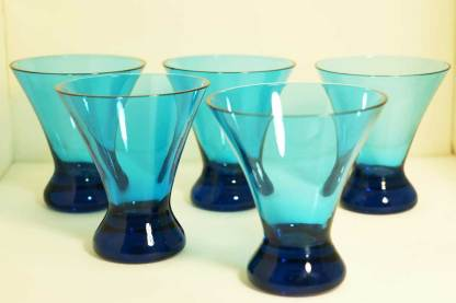 Set of 5 small drinking glasses