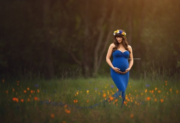 fitted maternity dress, maternity dress photography, photoshoot, baby shower, maternity gown, bridesmaid