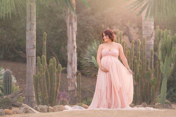 chiffon dress, maternity dresses, chiffon maternity gown, maternity dresses for photoshoot, maternity dresses for photography, baby shower dresses, maternity gown, chiffon, lace, sweetheart, jersey