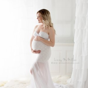 maternity mermaid gown, fitted mermaid gown, maternity dresses for photoshoot, maternity dresses for photography, baby shower dresses, maternity gown, fitted, jersey, lace, sweetheart