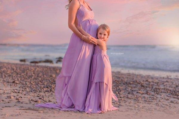 Layered chiffon maternity dress photography, backless maternity gown photo shoot