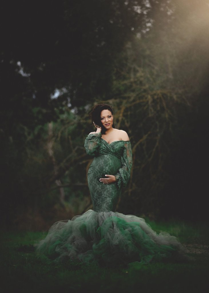 tulle maternity gown, lace puff sleeves