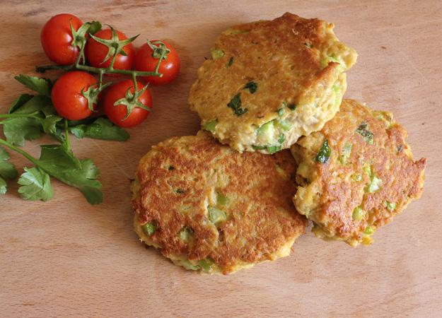 tuna burgers with tomatoes recipe