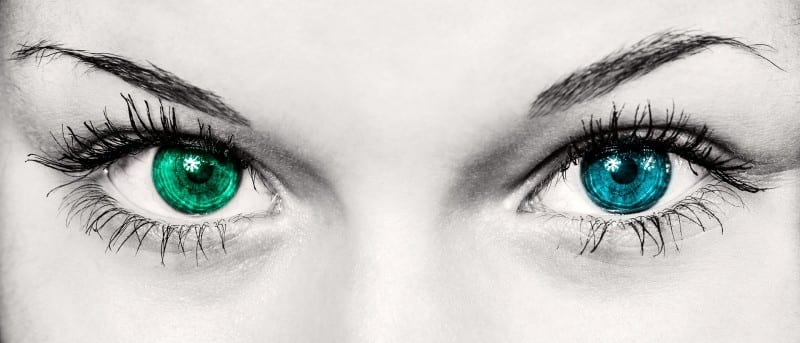 colored eyes siters of color