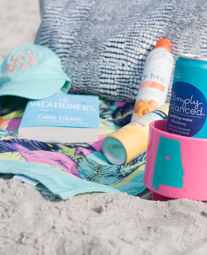 What's In My Bag: Beach Day Essentials