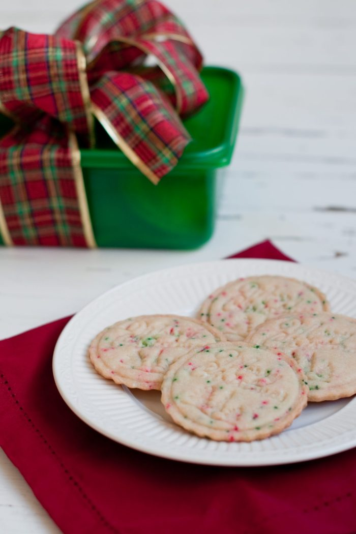 Festive Christmas Cookies + a Giveaway!