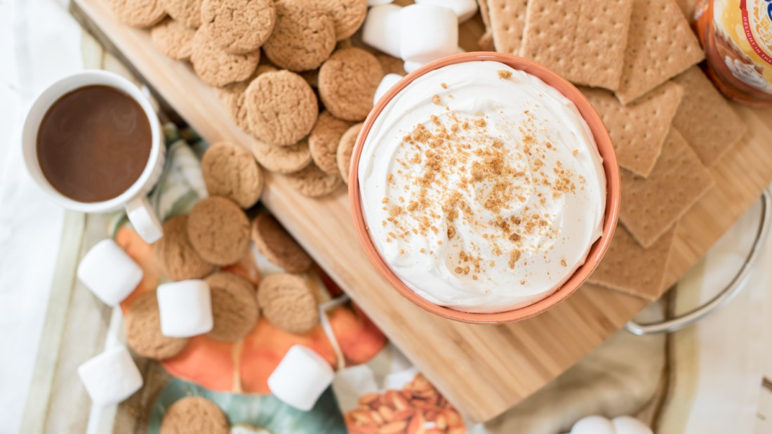Pumpkin Pie Cheesecake Dip, International Delight Pumpkin Pie Creamer, | Pumpkin Pie Cheesecake Dip recipe featured by top US food blogger, Miss Molly Moon
