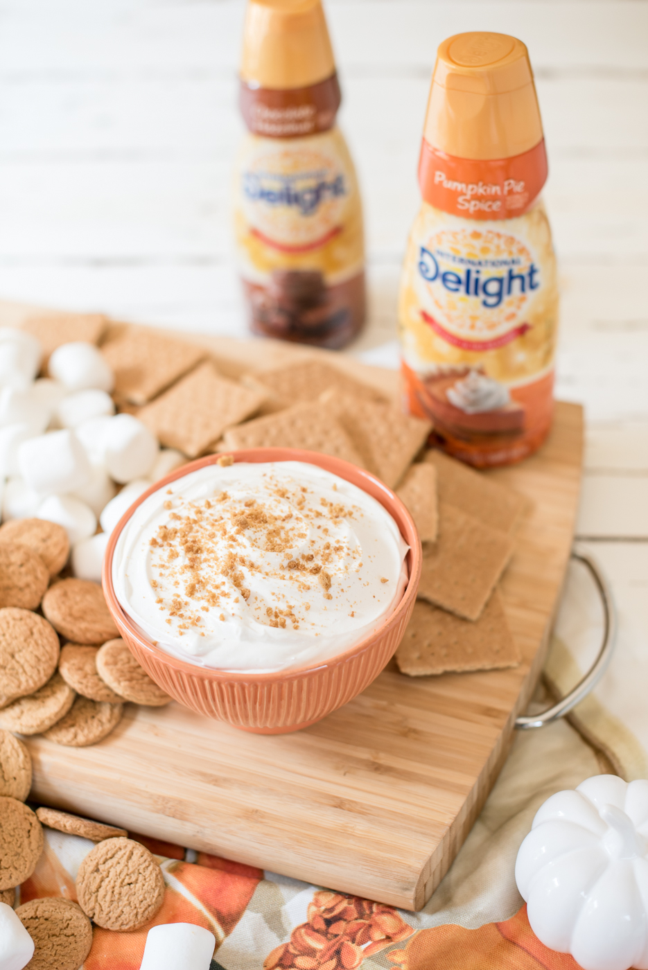 Pumpkin Pie Cheesecake Dip, International Delight Pumpkin Pie Creamer | Pumpkin Pie Cheesecake Dip recipe featured by top US food blogger, Miss Molly Moon