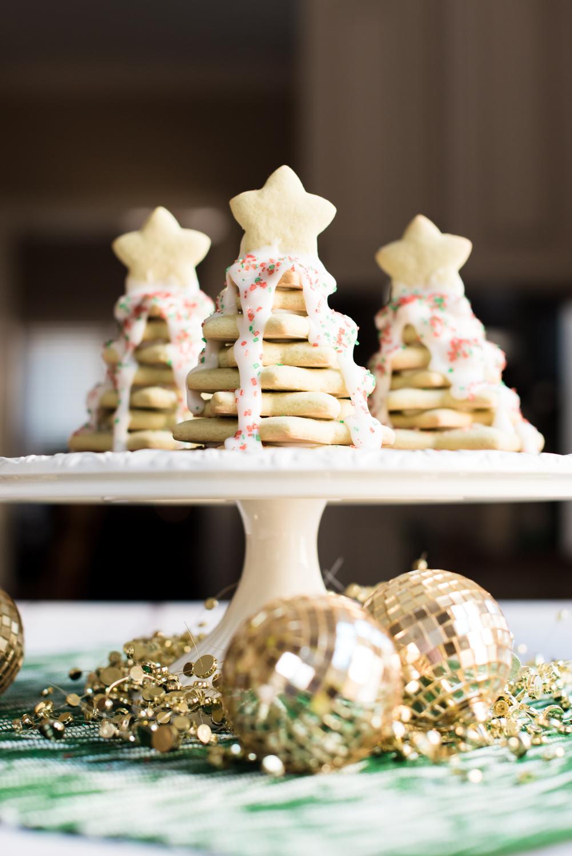 Mint Sugar Cookie Christmas Trees via @missmollymoon - Mint Christmas Tree Cookies featured by top Atlanta foodie blogger, Miss Molly Moon