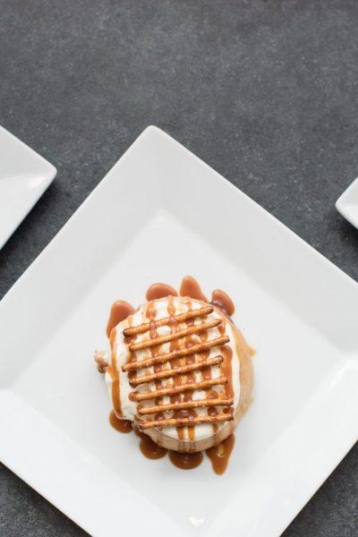 Best Places to Eat in Athens, GA   Vegan Cinnamon Rolls in Athens   Cinnaholic via @missmollymoon