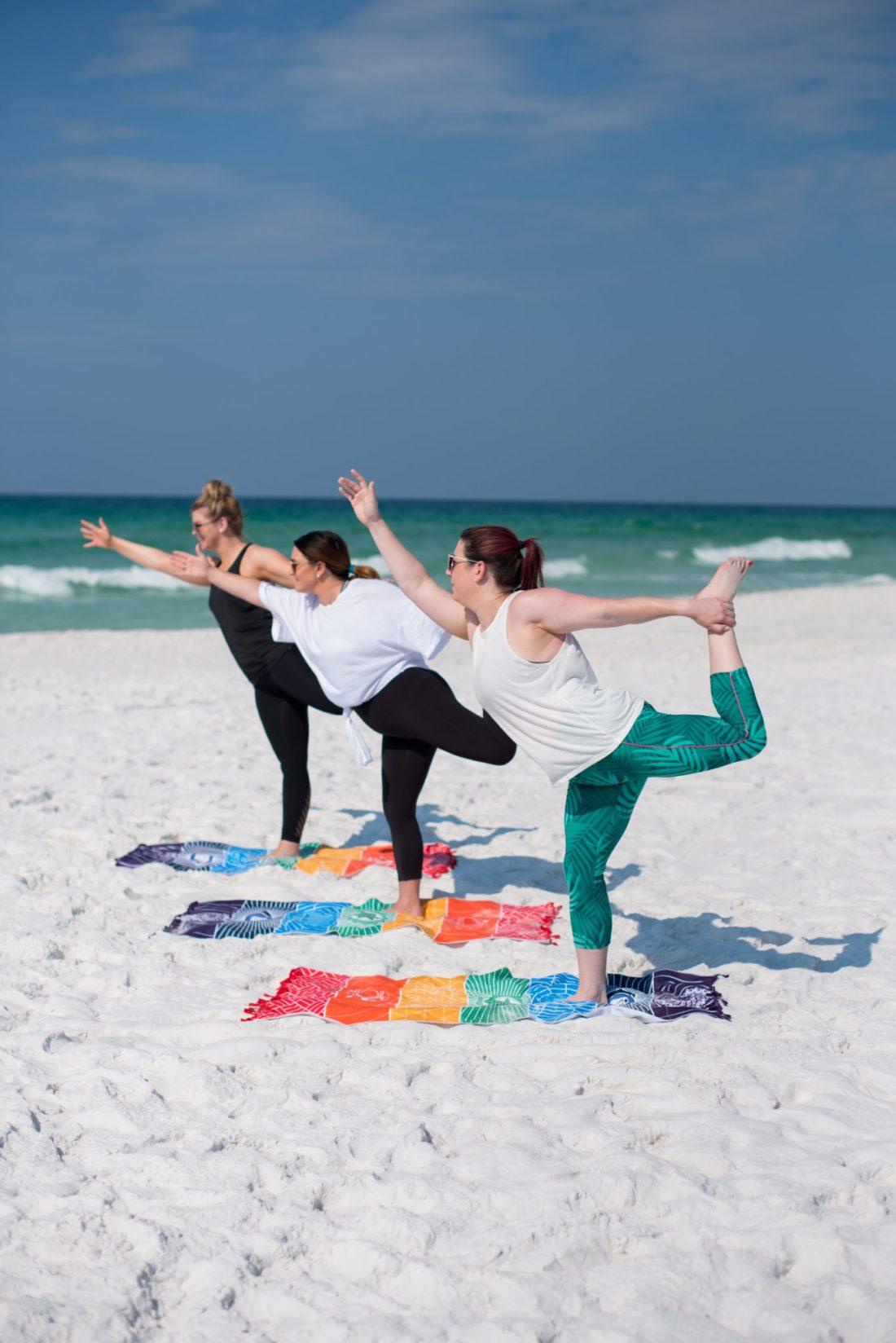 My Favorite Summer Yoga Pants // Miss Molly Moon