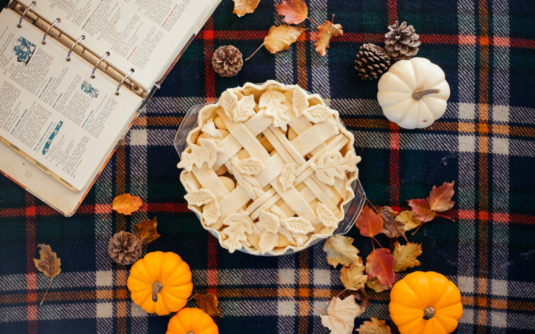 A Decorative Fall-Themed Pie