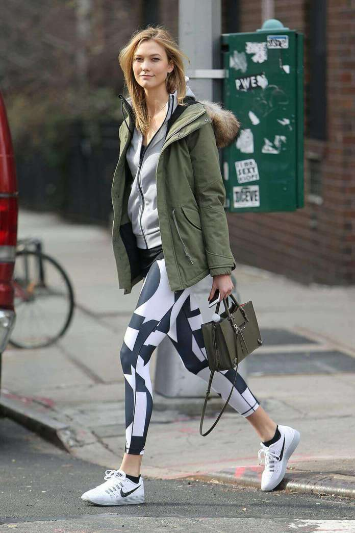 1. hbz leggings karlie kloss splash - 7 Chic Outfit Ideas: What to Wear with Leggings