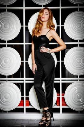 4. corset black leather - 9 Chic Night Out Outfits Ideas