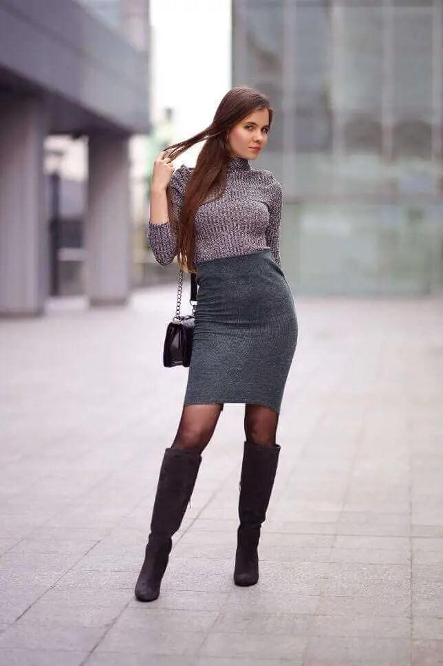 Black Pantyhose 2 - 10 Eye-Catching Ideas to Wear a Black Pantyhose Like a Pro