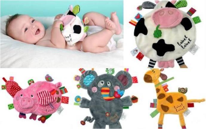 Para los bebés que juegan más con las etiquetas que con los propios muñecos